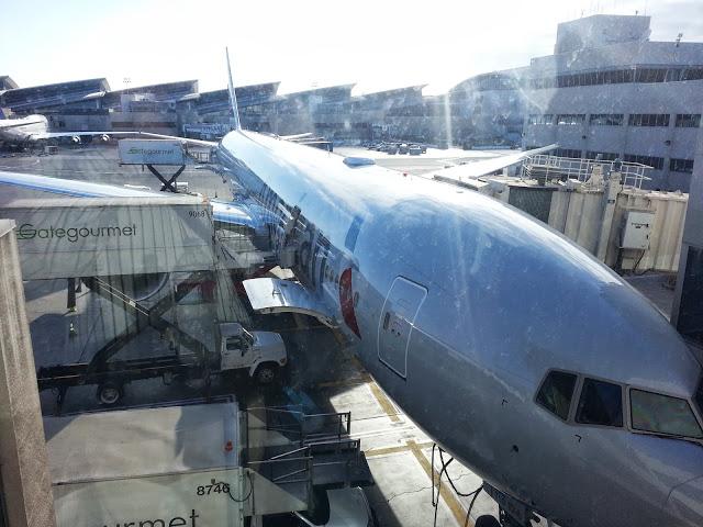 American 777-300ER Outside