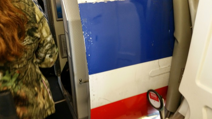 American MD-80 Jet Bridge