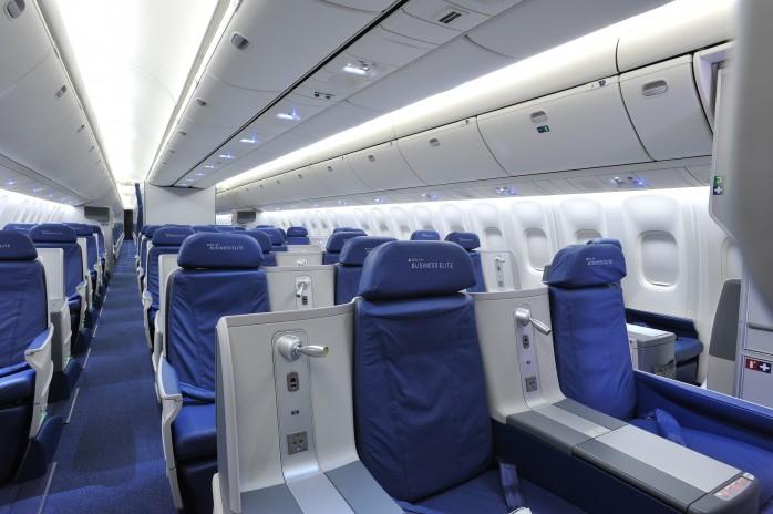 Delta 767 Flat Bed